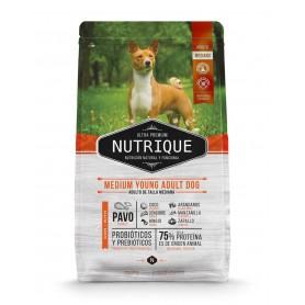 VitalCan Nutrique Medium Young Adult Dog 12kg